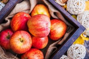 fresh-red-apples